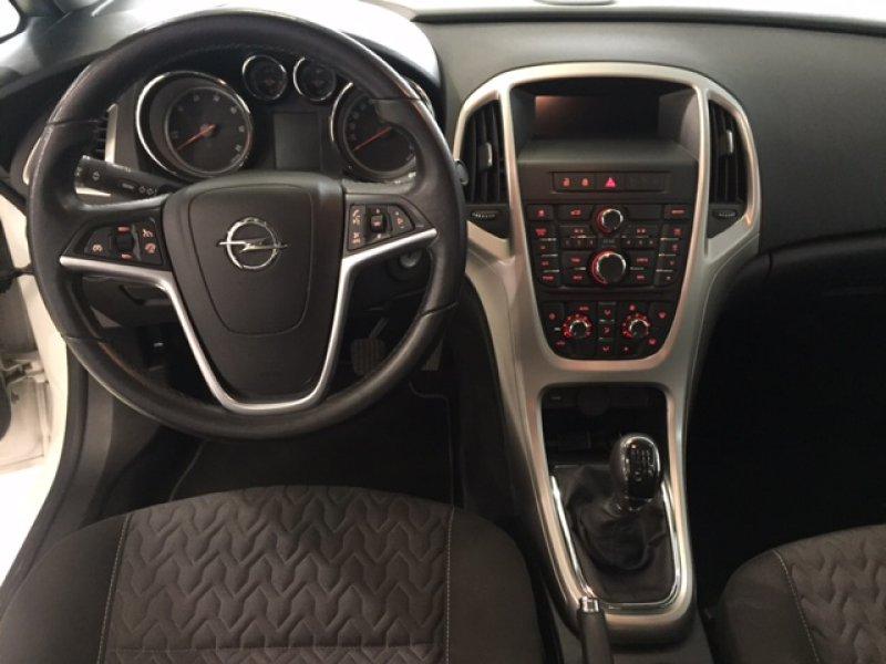 Opel Astra 1.7 CDTi 110 CV Business Sedan