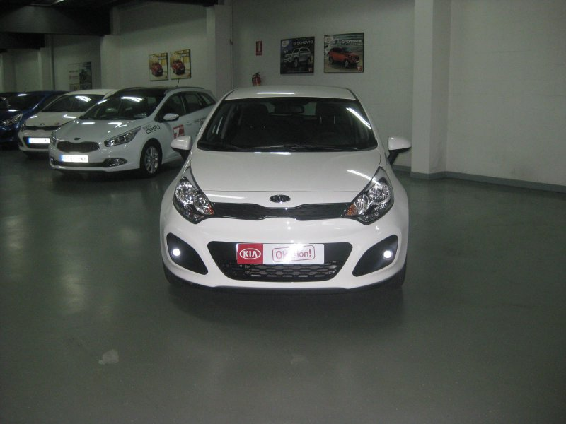 Kia Rio 1.2 CC       85CV DRIVE