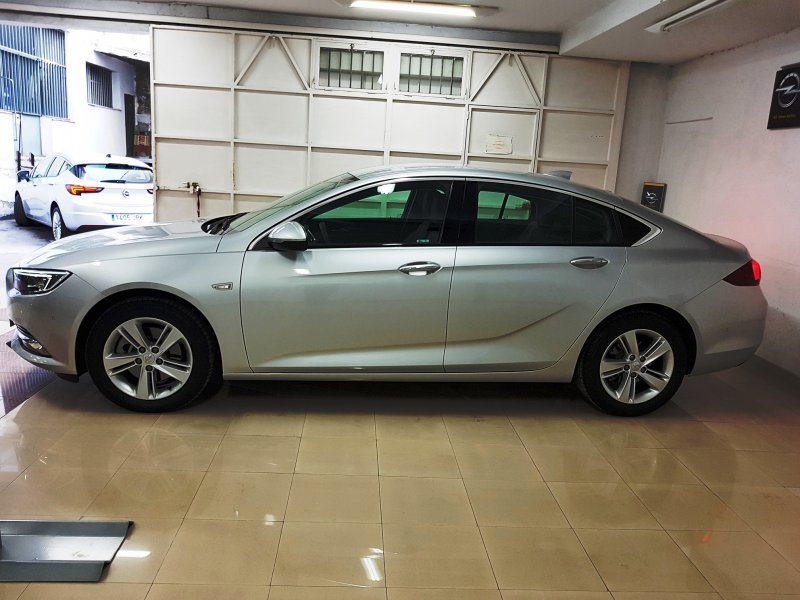 Opel Insignia 2.0 D TURBO 170 CV Excellence