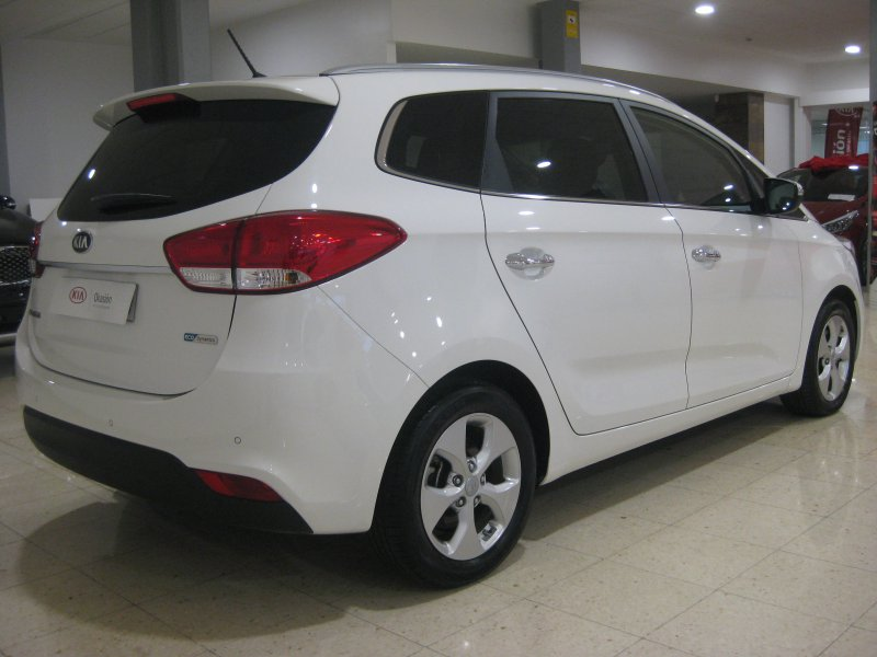 Kia Carens 1.7 CRDi 115CV 7pl LLANTAS ALUMINIO 17 Drive