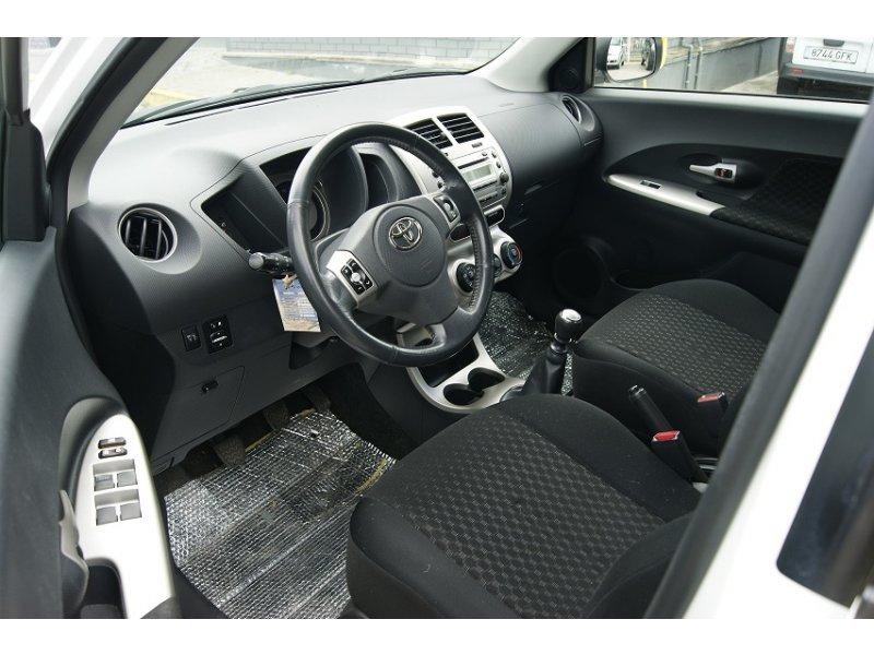 Toyota Urban Cruiser 1.4 D-4D Active