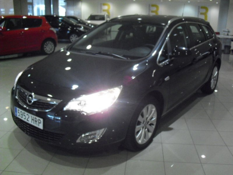 Opel Astra Sports Tourer...