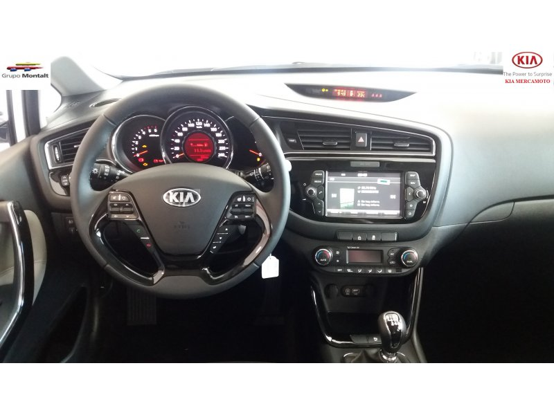 Kia ceed 1.4 CRDi WGT 90CV Tech
