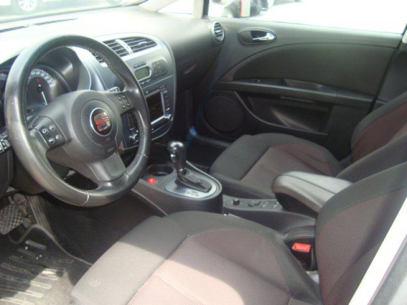 SEAT León 2.0 TDI DSG SPORT UP