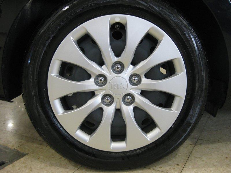Kia Carens 1.7 115CV 7pl. LLANTAS ALUMINIO 17 Concept