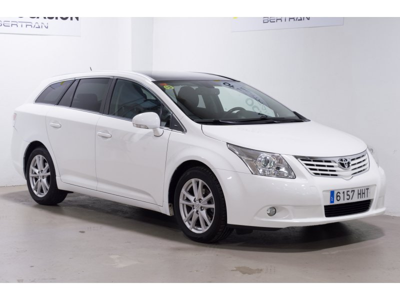 Toyota Avensis 120D Cross Sport Advance