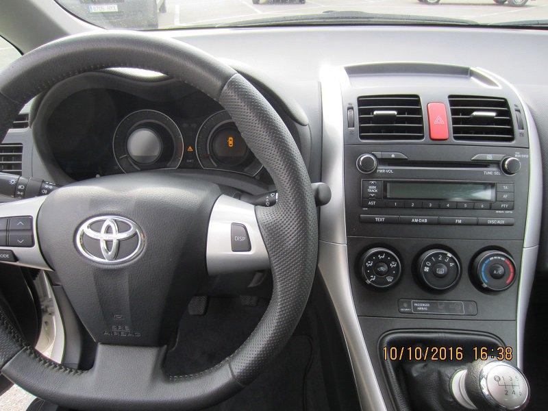 Toyota Auris 1.4 D-4D PDF LIVE ECO Live
