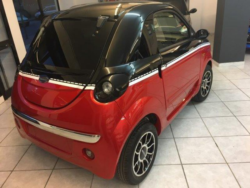Microcar Due Dynamic Diesel bicilíndrico a 4 tiempos Mottion Edition